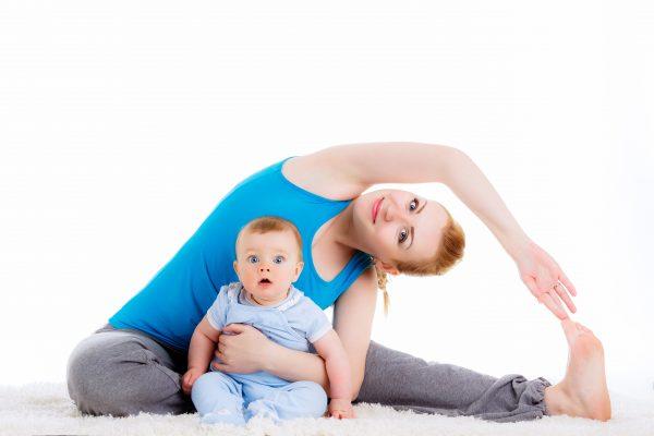 産後ヨガとは? 産後ヨガの目的や効果、注意点などを徹底解説!