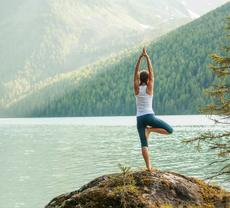 ヨガがもたらす働きとは? ヨガの実践で健康な身体作りを目指そう!