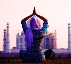 本場インドのヨガの魅力とは? 歴史や背景もご紹介!